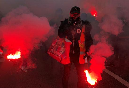 جانب من المظاهرات العمالية فى فرنسا