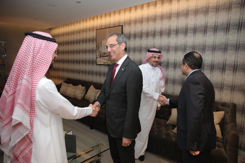 وزير الاتصالات يلتقي نظرائه من الوزراء العرب
