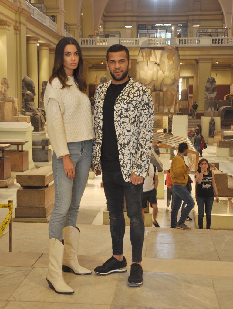 دانى ألفيس وزوجته فى المتحف المصرى بالتحرير