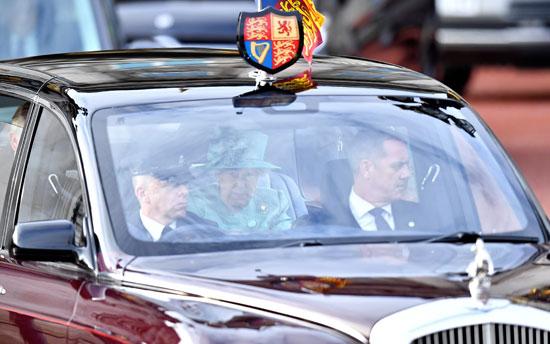 الملكة-أليزابيث-ملكة-بريطانيا-فى-طريقها-للبرلمان