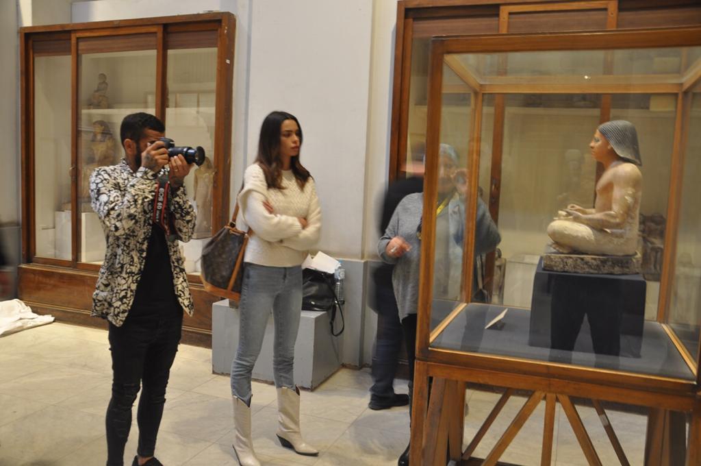 زيارة دانى ألفيس للمتحف المصرى بالتحرير