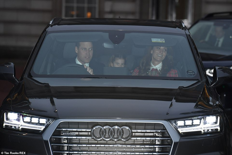 وليام وكيت ميدلتون في تاكسى ملكي
