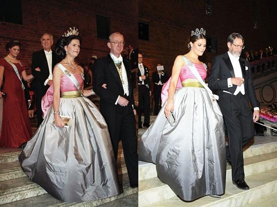 الأميرة فيكتوريا ووالدتها بنفس الفستان
