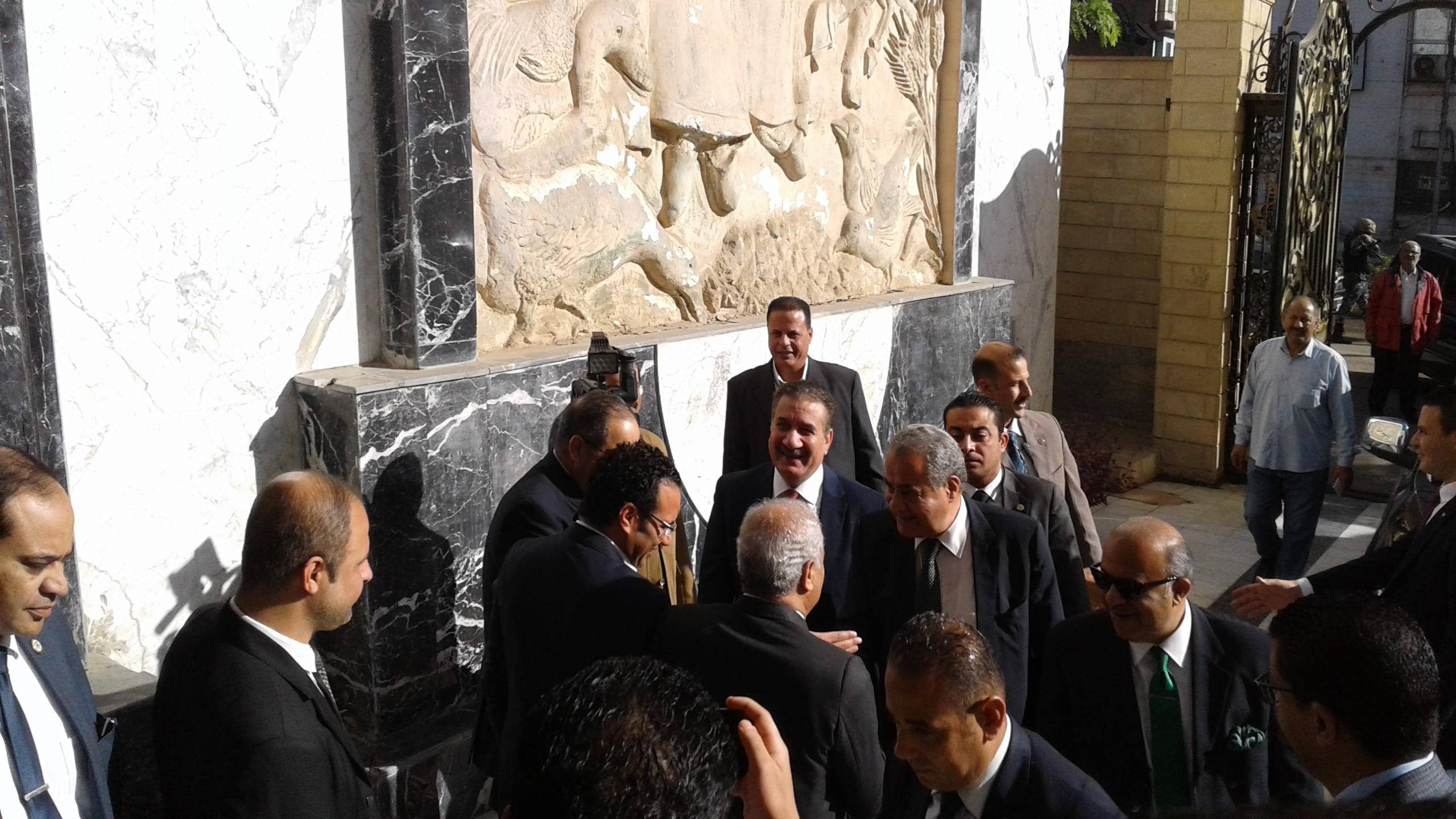 محافظ المنوفية يستقبل وزير التموين لوضع حجر اساس مشروع دلتا لاند مارك (5)