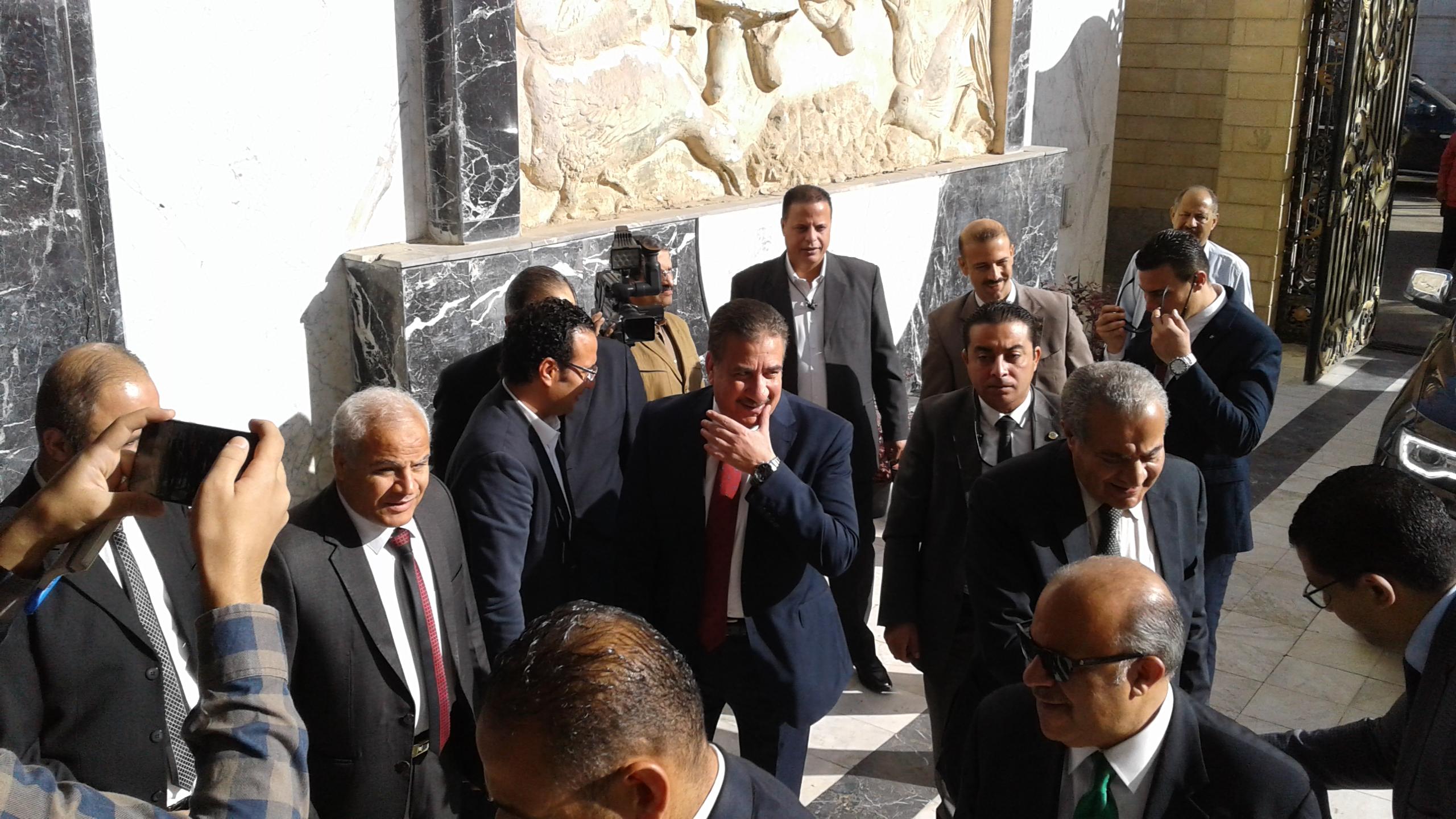 محافظ المنوفية يستقبل وزير التموين لوضع حجر اساس مشروع دلتا لاند مارك (6)
