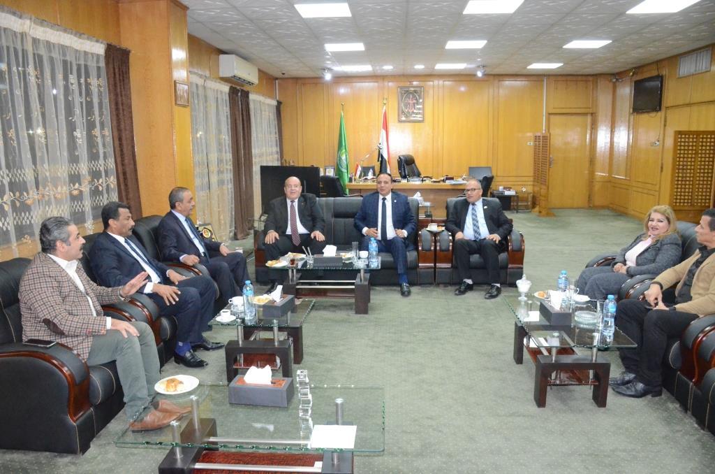 لقاء محافظ الإسماعيلية بنواب البرلمان (4)