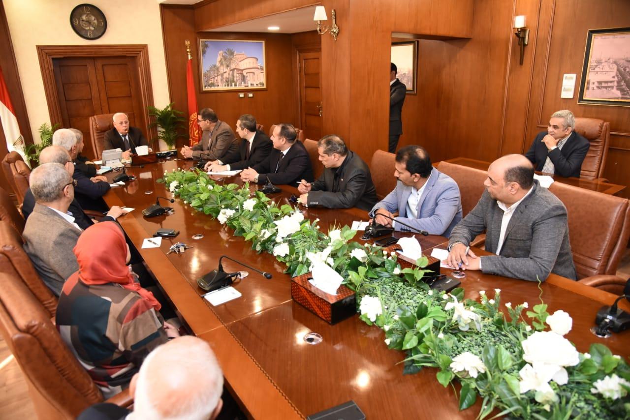 محافظ بورسعيد يجتمع بمديرى الإدارات التعليميةلمتابعة سير العملية التعليمية (4)