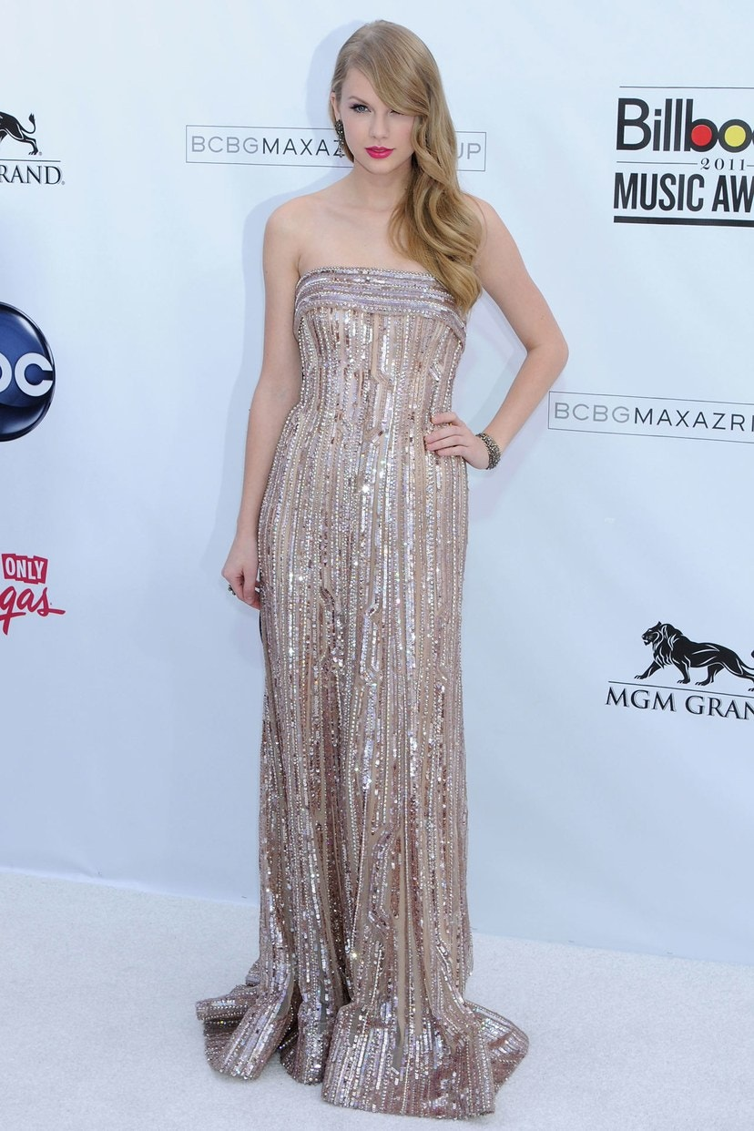 تايلور سويفت بفستان لـ إيلى صعب في جوائز بيلبورد للموسيقى