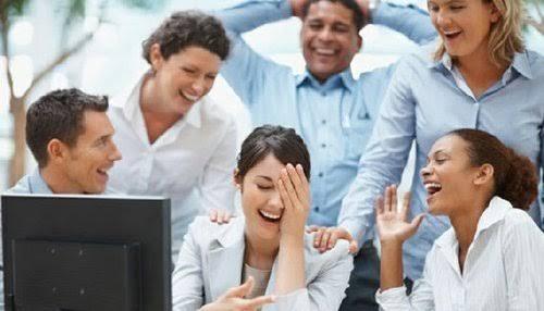 خلق بيئة إيجابية مع زملاء العمل