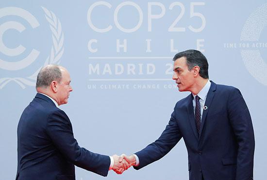 رئيس الوزراء الأسبانى بالنيابة بيدرو سانشيز يستقبل الأمير ألبرت الثانى أمير موناكو