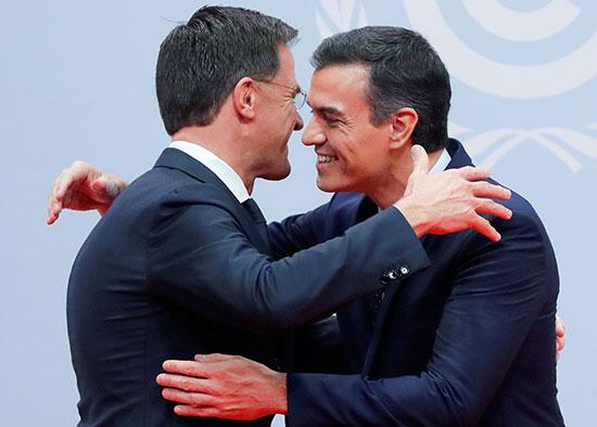رئيس الوزراء الأسبانى بالإنابة بيدرو سانشيز يرحب برئيس الوزراء الهولندى مارك روت