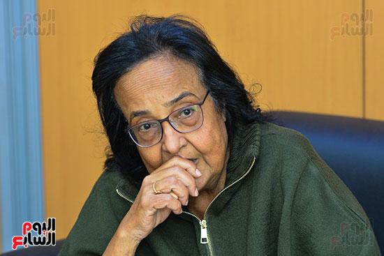 الكاتبة-لميس-جابر-(2)
