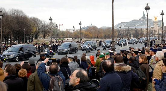 حالة-من-الحزن-تهيمن-على-المواطنين-الفرنسيين