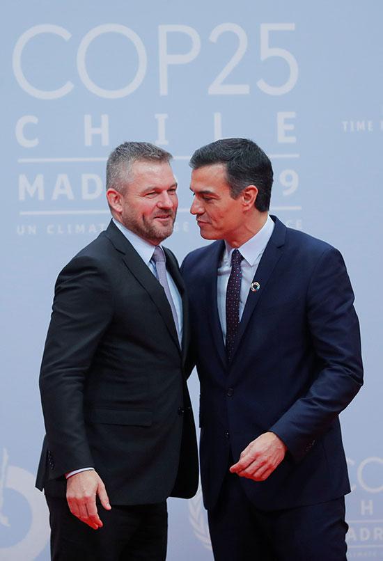 رئيس الوزراء الأسبانى بالإنابة بيدرو سانشيز يرحب برئيس وزراء سلوفاكيا بيتر بيليجرينى
