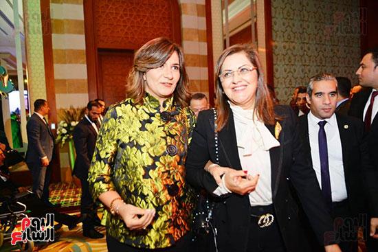 هالة السعيد وزيرة التخطيط، نبيلة مكرم وزيرة الهجرة،