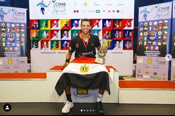 مصطفى عسل ودرع بطولة العالم للناشئين