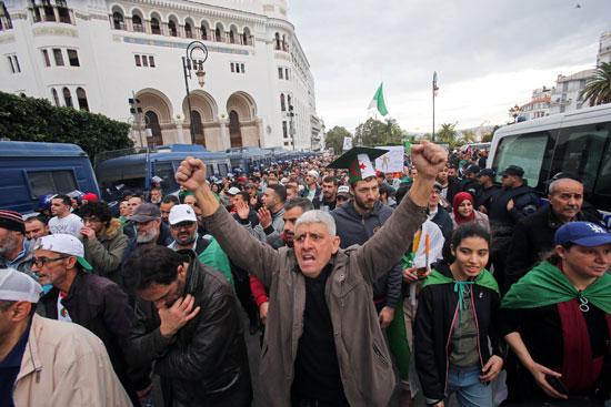 احتجاجات ومسيرات بالجزائر
