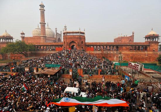 الآلاف يتظاهرون فى الهند