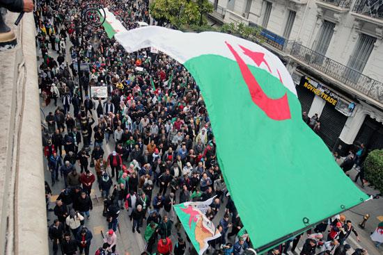 مسيرة ضخمة بالجزائر