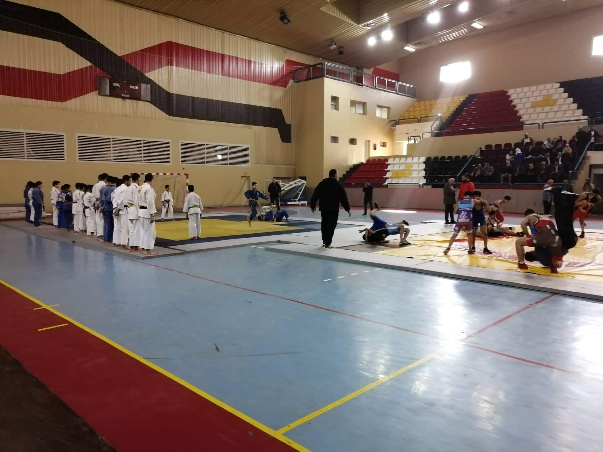وزير الشباب يتابع عروض الجودو والمصارعة (5)