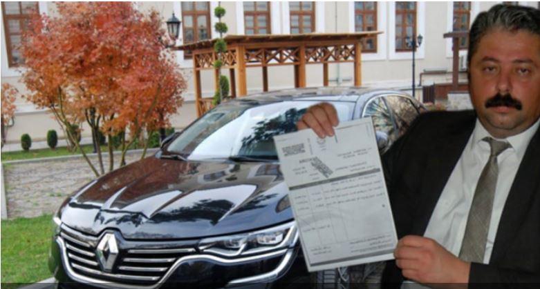 رئيس بلدية تركية يبيع سيارة رسمية لسداد ديون
