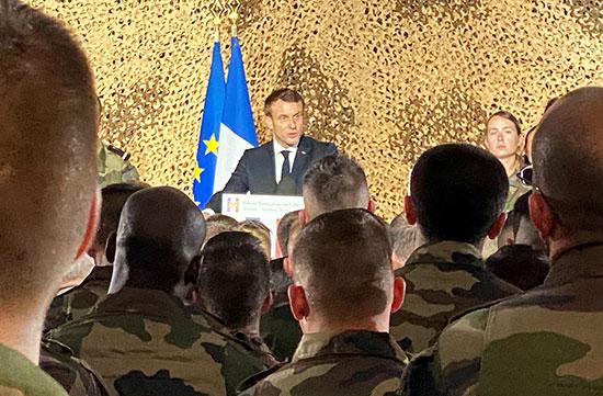 ماكرون يخاطب الجنود الفرنسيين