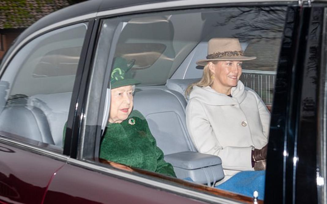 الملكة اليزابيث وصوفيا