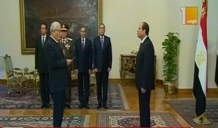 رضا حجازى نائب وزير التعليم يؤدى اليمين الدستورية