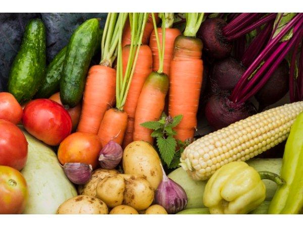 من الاطعمة ايضا الخضروات