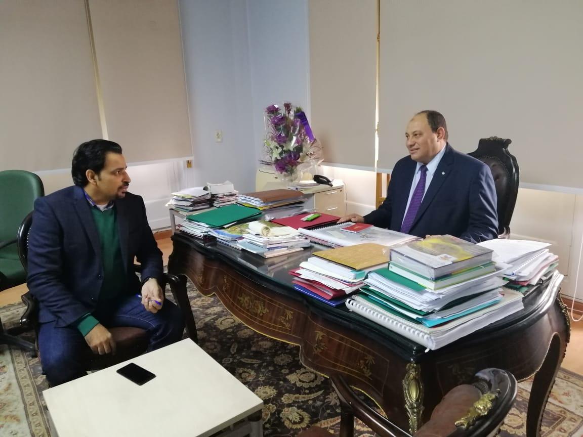 الدكتور مصطفى الصياد نائب وزير الزراعة والزميل عز النوبى (8)