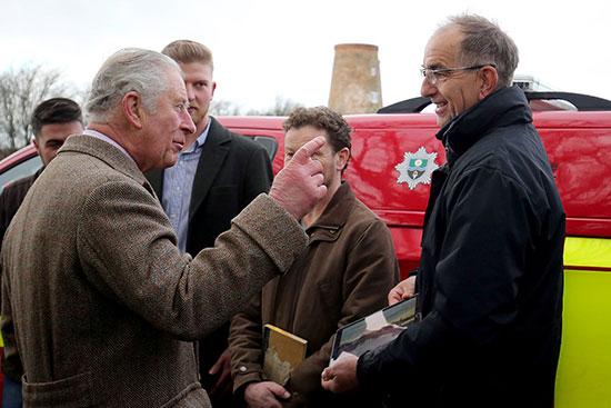 لقاء الأمير تشارلز وضحايا افيضانات فى فيشليك