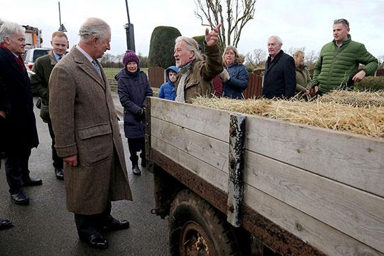 الأمير تشارلز يلتقي ضحايا الفيضانات فى فيشليك