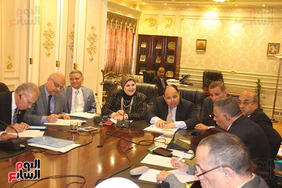 لجنة القوى العاملة (3)