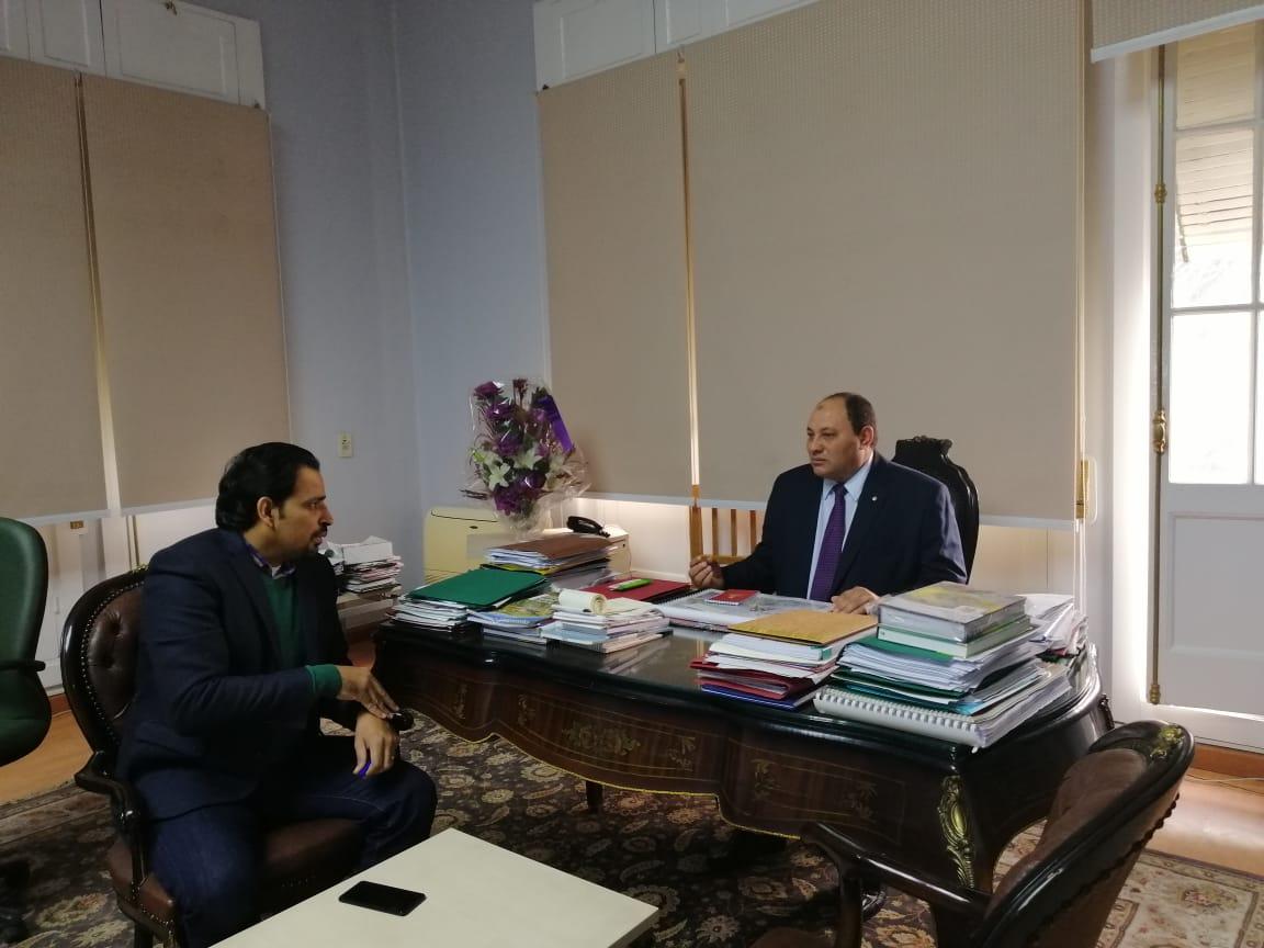 الدكتور مصطفى الصياد نائب وزير الزراعة والزميل عز النوبى (11)