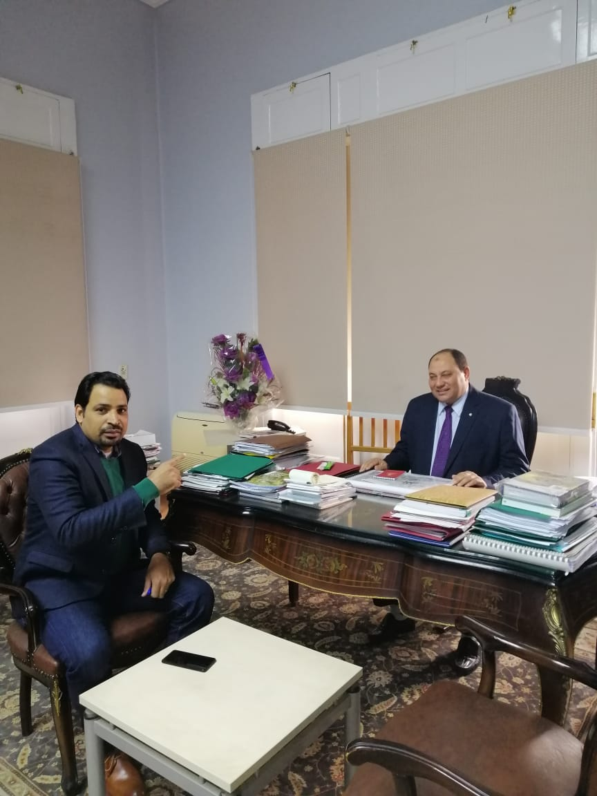 الدكتور مصطفى الصياد نائب وزير الزراعة والزميل عز النوبى (3)