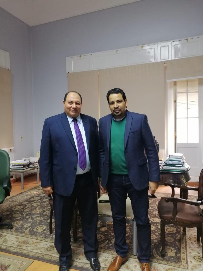 الدكتور مصطفى الصياد نائب وزير الزراعة والزميل عز النوبى (5)