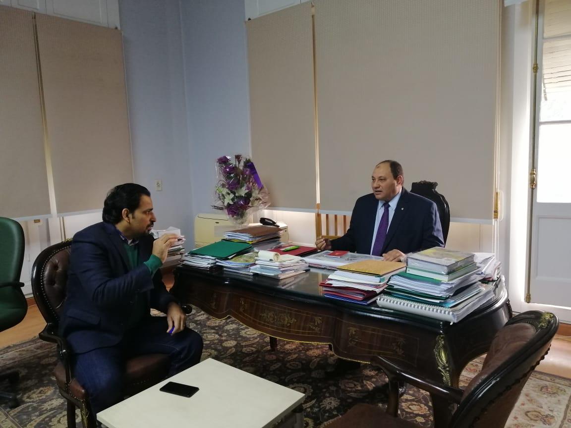 الدكتور مصطفى الصياد نائب وزير الزراعة والزميل عز النوبى (6)