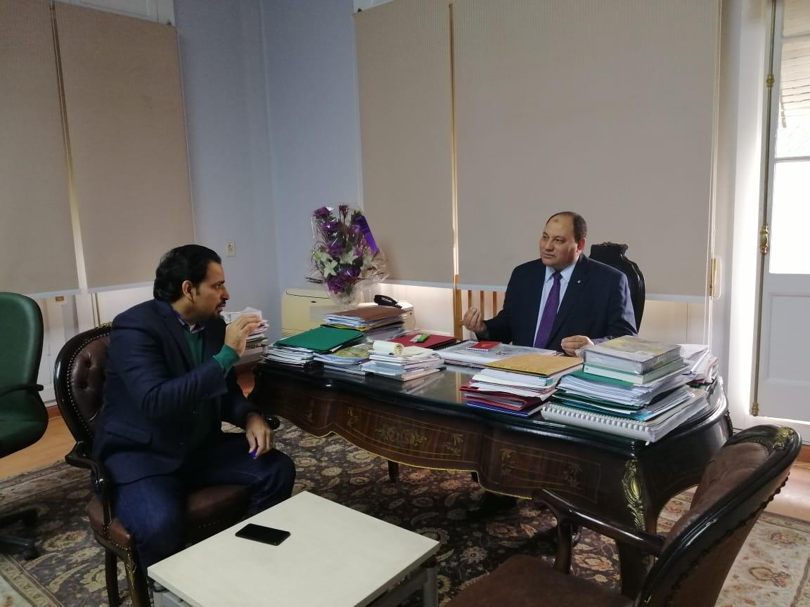 الدكتور مصطفى الصياد نائب وزير الزراعة والزميل عز النوبى (4)