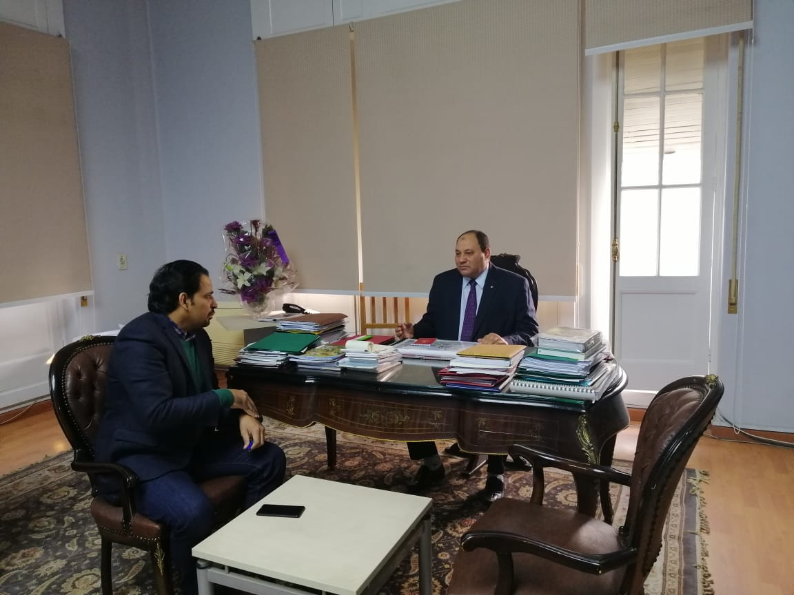 الدكتور مصطفى الصياد نائب وزير الزراعة والزميل عز النوبى (7)