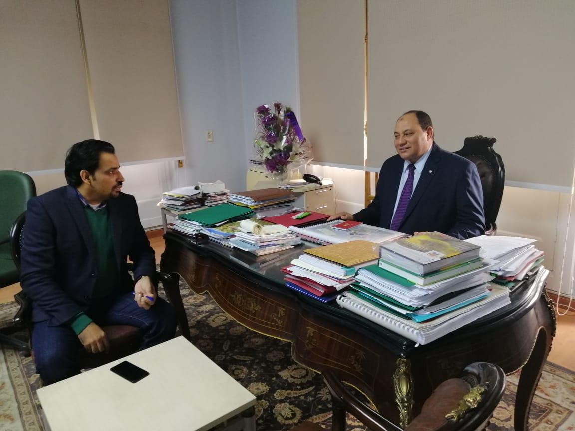 الدكتور مصطفى الصياد نائب وزير الزراعة والزميل عز النوبى (1)