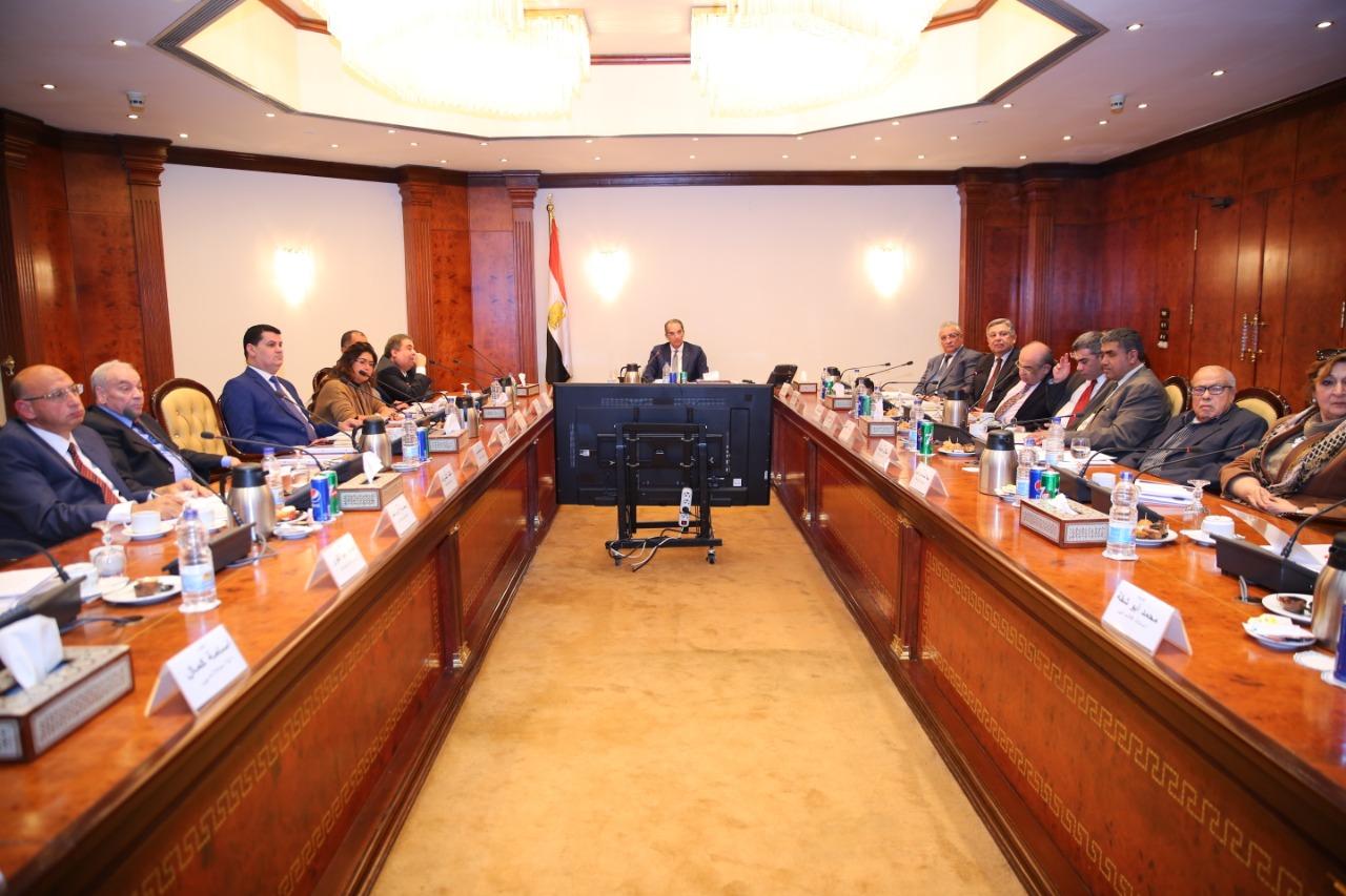وزير الاتصالات يجتمع بلجنة حقوق المستخدمين