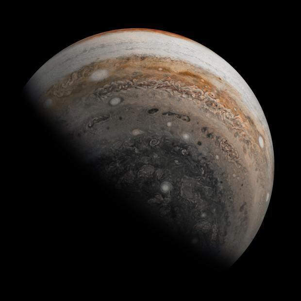 صورة مقربة لكوكب المشتري التقطتها مركبة جونو
