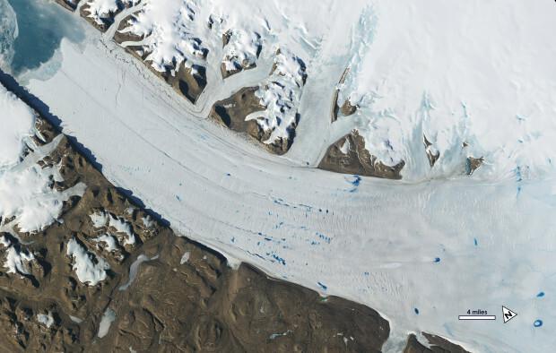 البحيرات الجليدية فى جرينلاند