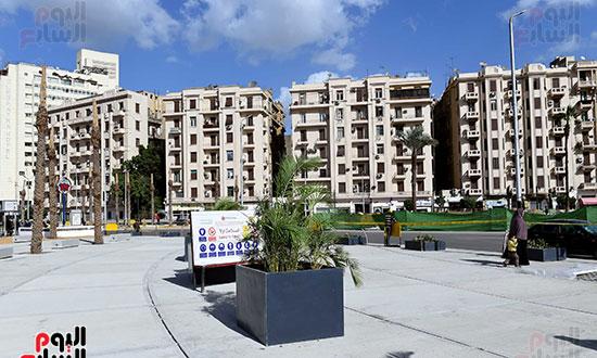 رئيس الوزراء يتفقد أعمال تطوير ميدان التحرير (8)