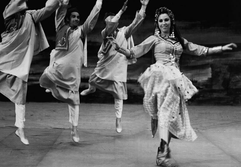 فريدة فهمى راقصة فرقة رضا الأولى