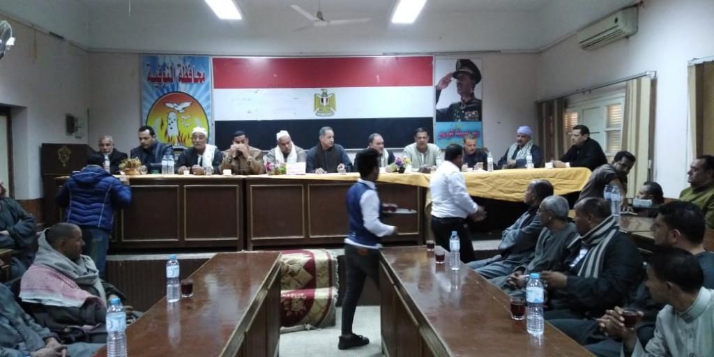 جلسة صلح بين عائلتين بإحدى قرى مركز تلا  (11)
