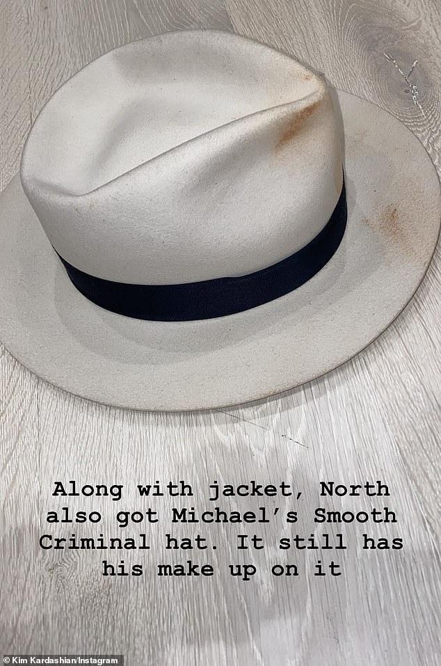 كيم كاردشيان تشترى قبعة مايكل جاكسون