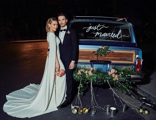 هيلاري داف في حفل الزفاف