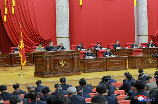 اجتماع-زعيم-كوريا-الشمالية-بالحزب-الحاكم