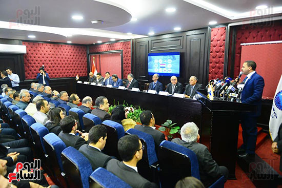 الجلسة الثالثة للحوار الوطنى للأحزاب لمستقبل وطن (19)